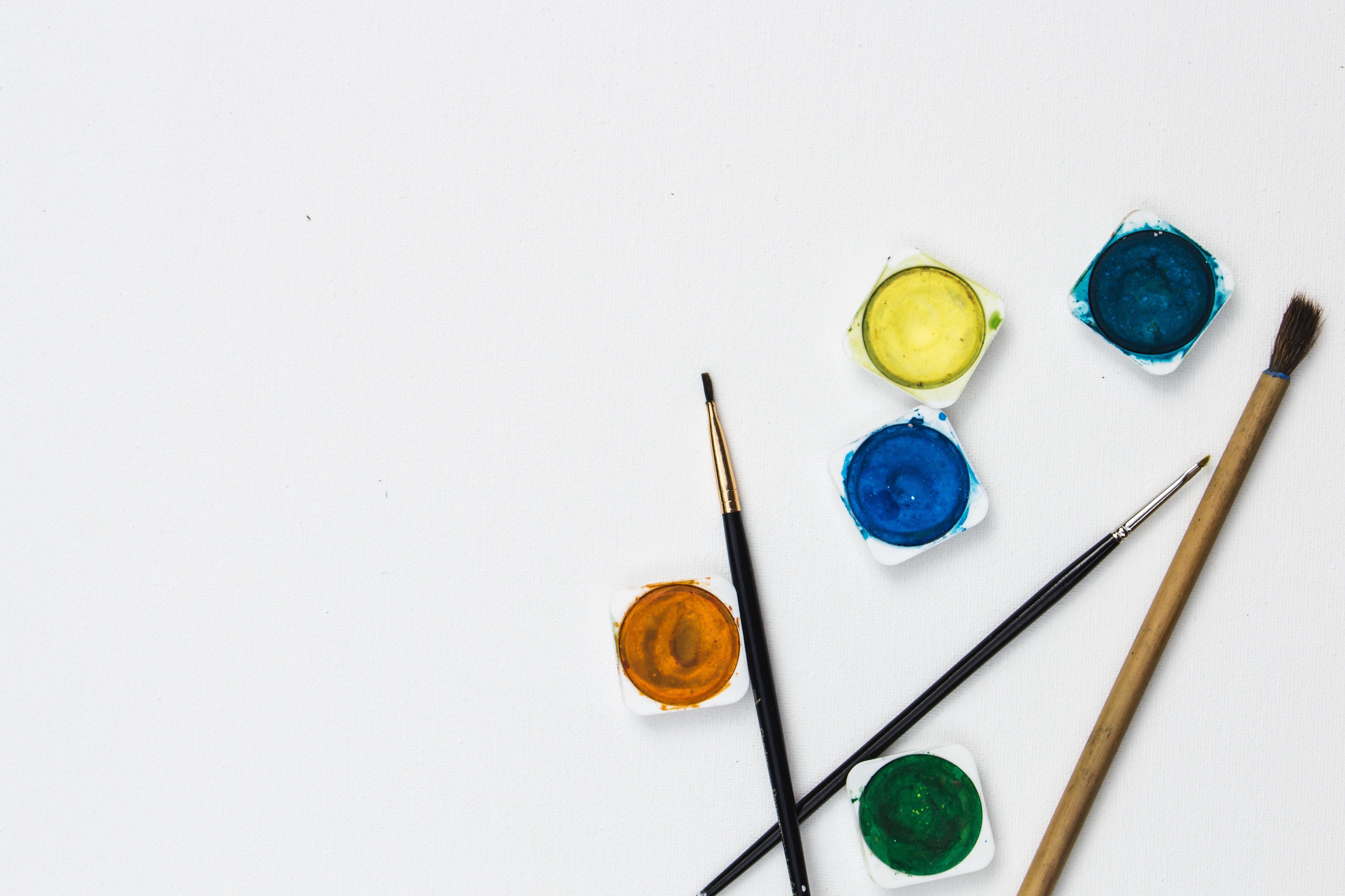 Farbe pinsel kuenstlerischer mitarbeiter.a7117f900210373dacc7dc1637aba9ad7
