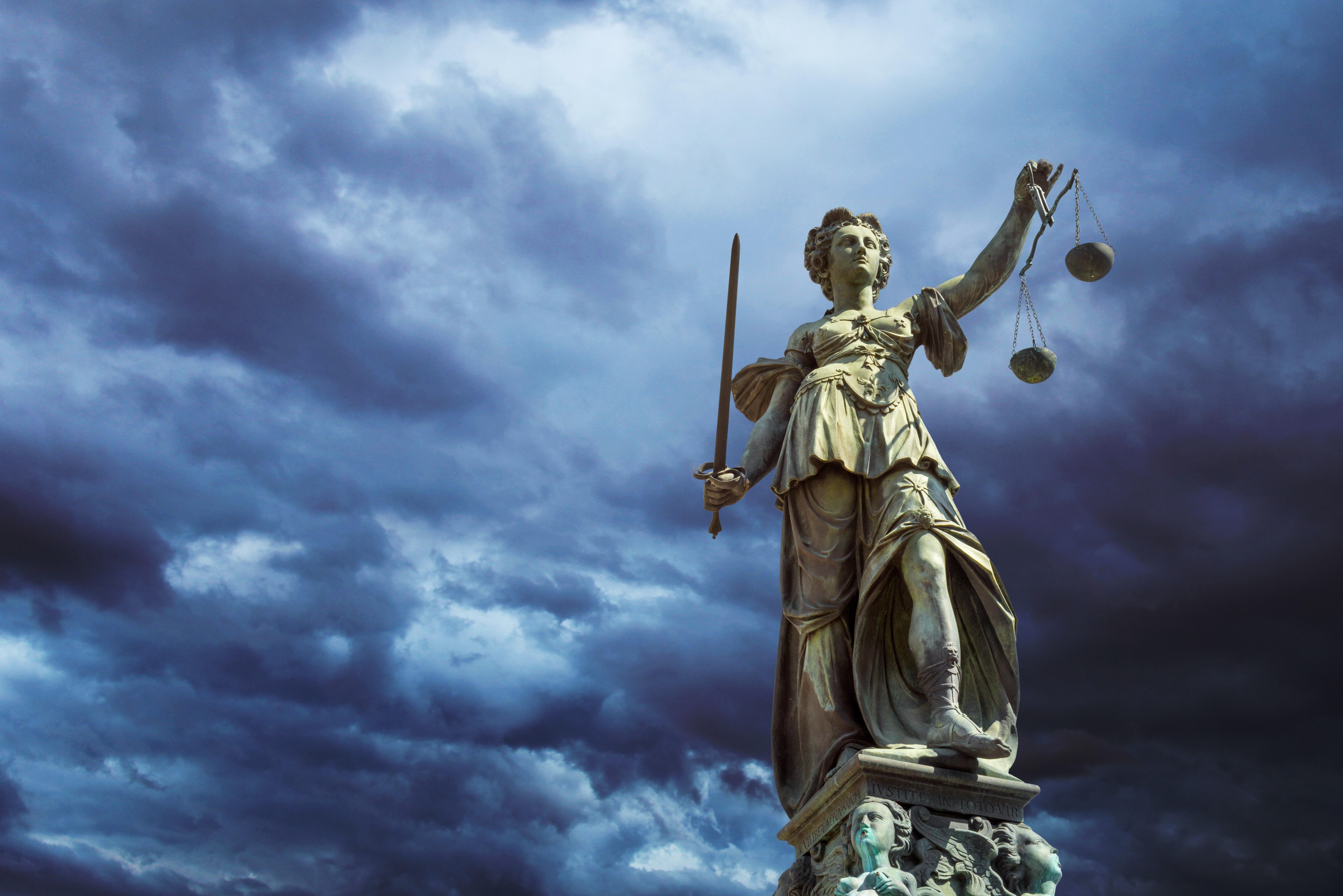 Gerechtigkeit symbolbild anerkennung habilitation umhabilitation aequivalenzabkommen.6a96c40d44f90b5c5365eb4bf5794103c
