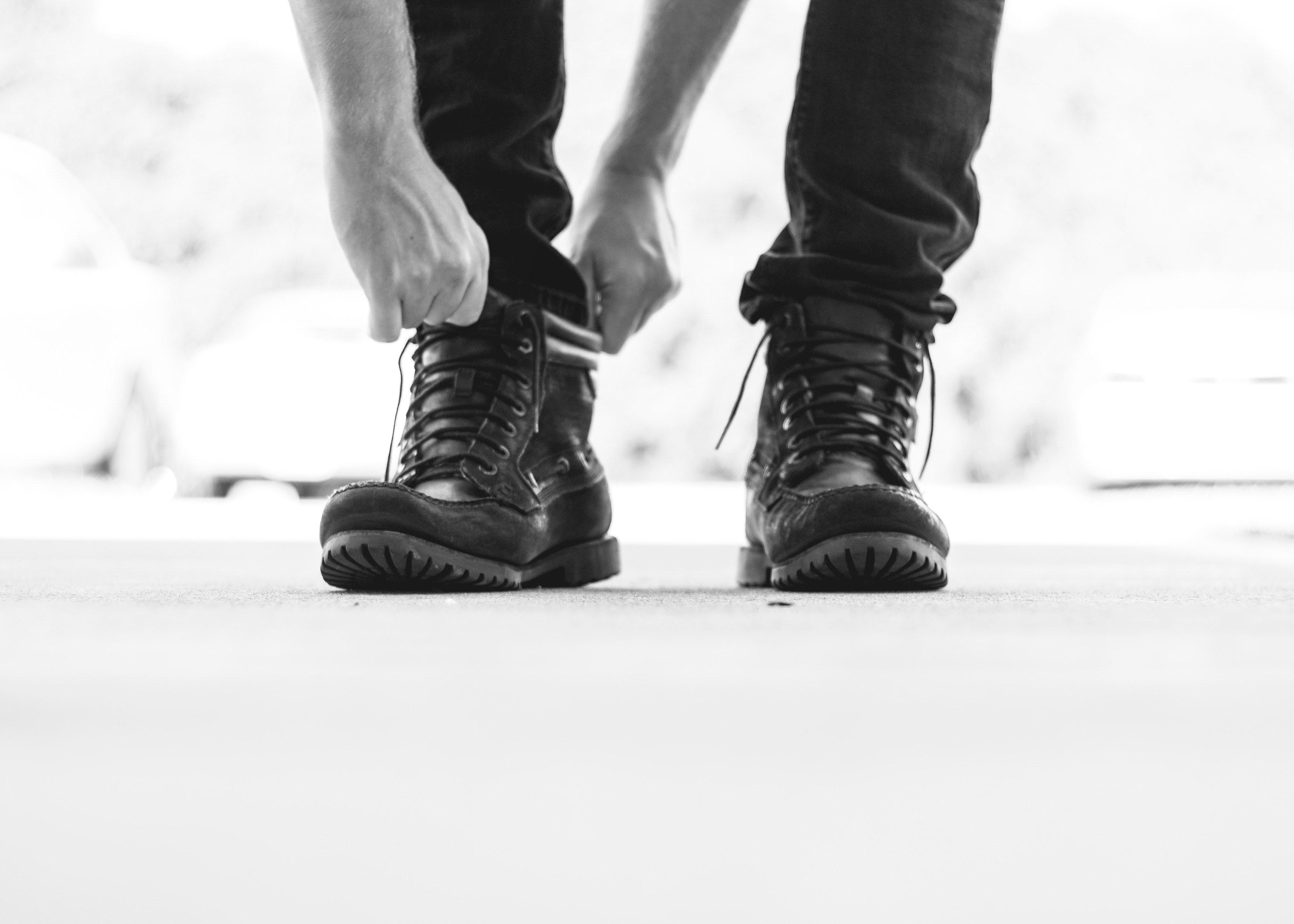 Schuhe anziehen symbolbild vorbereitung promotion.0dedb2b9bd663e5f641ca619f95b5fe06